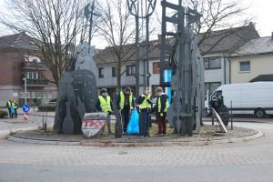 Müll sammeln am Nachtwächterdenkmal